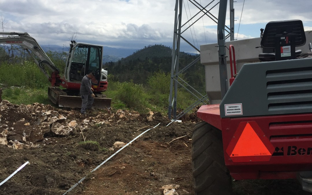 Izvedba novih ozemljitev jamborov – DV 2×110 kV Pivka – Postojna