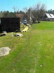 Urejanje okolice in povrnitev v prvotno stanje po opravljenem izkopu in vgradnji telekomunikacijske kanalizacije na golf igrišču Volji Potok